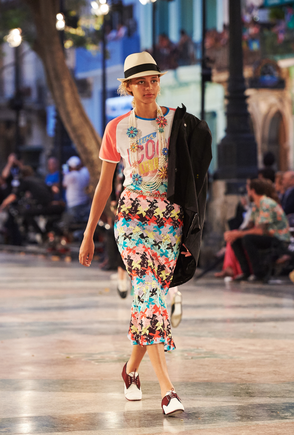 07_Cruise 2016-17 collection - Show pictures by Olivier Saillant - Look 69.jpg