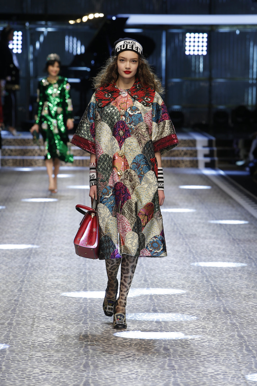 Dolce&Gabbana_women's fashion show fw17-18_Runway_images (12).jpg
