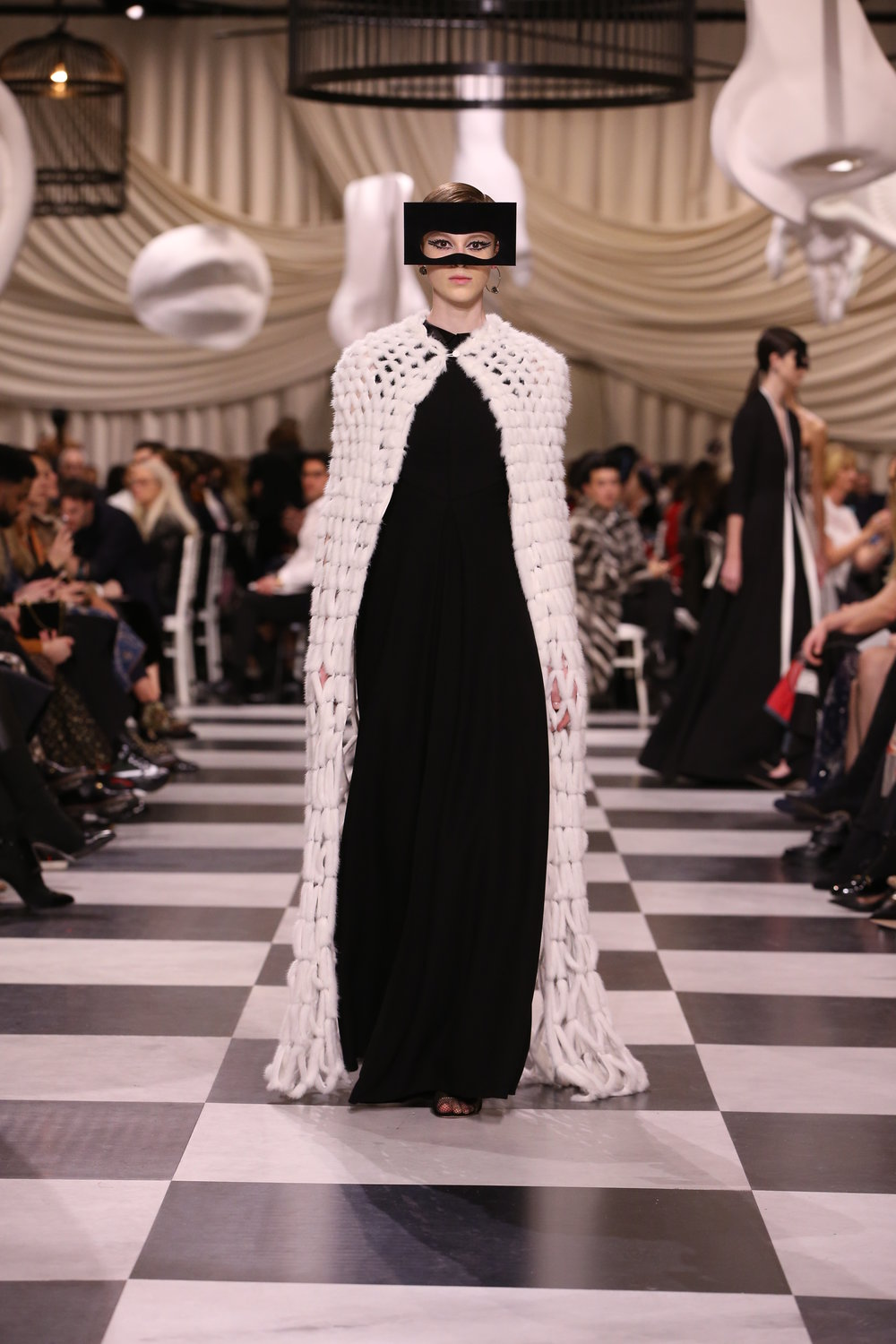 DIOR_HAUTE COUTURE_SPRING-SUMMER 2018_LOOK_25.jpg