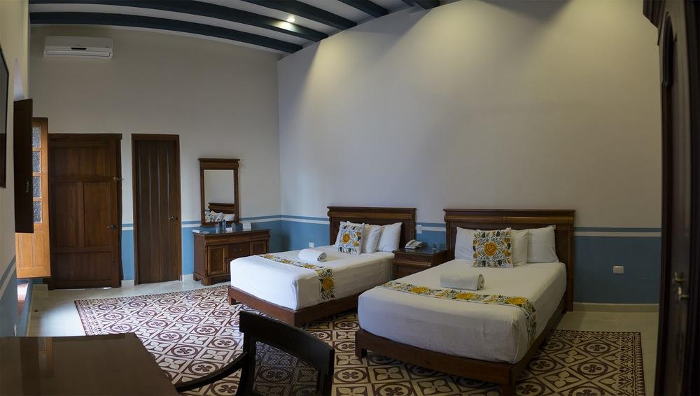 colonialbedroom.jpg