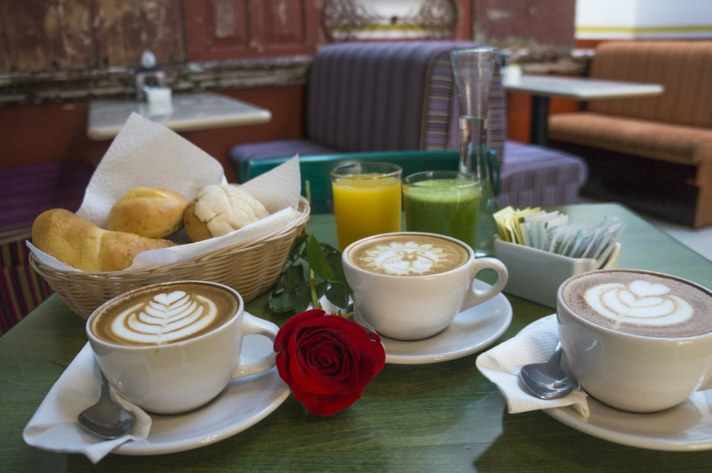 colonialbreakfast.jpg