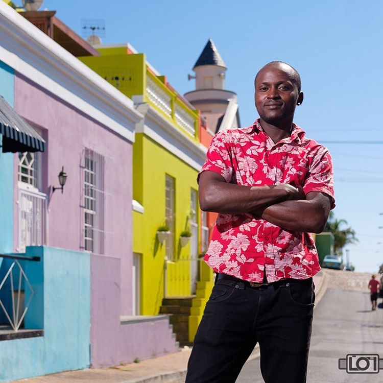 Such fun shooting with Kerry @ormsdirect and @heinhough of @fujifilm_sa. I had the opportunity to shoot the #fujifilm #xpro2 in the #colorful #bokaap , #capetown to see how it handles harsh #lighting conditions and #offcameraflash. If you want to see the