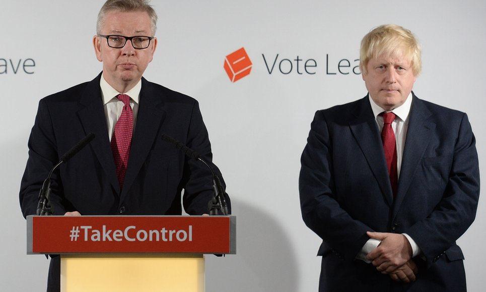 Wat een gezellige gezichten van Boris Johnson en Michael Gove na hun Brexit-overwinning.