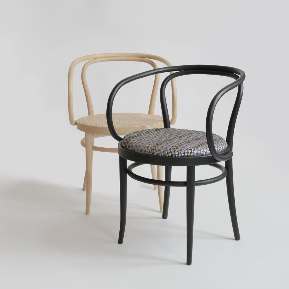 Thonet-Bolon-209-chair-experiment_dezeen_08.jpg