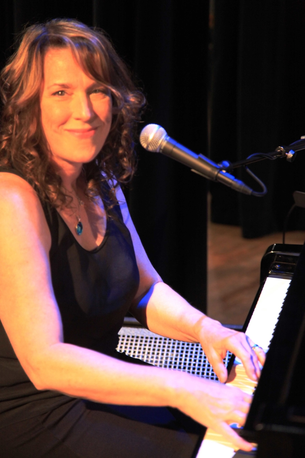 Beth at Piano Meridian 2015.jpg