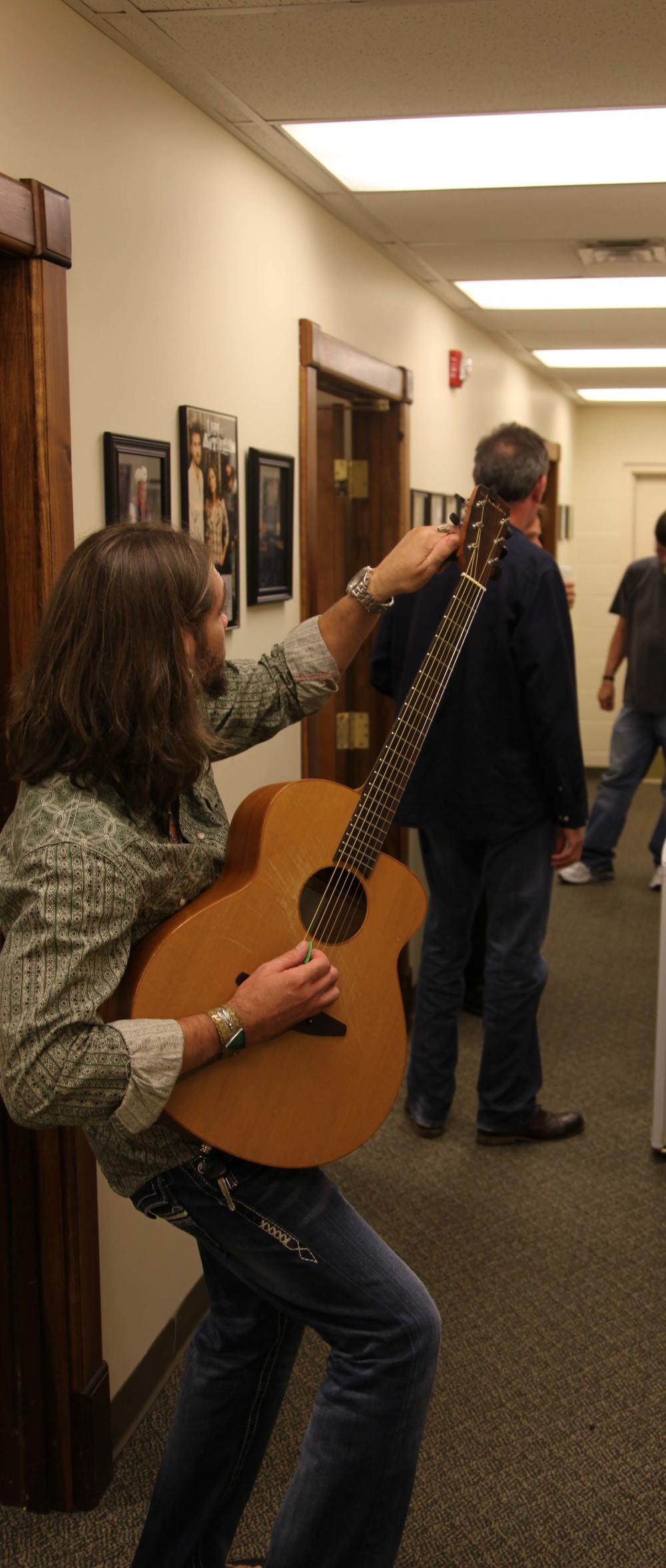 Bo Tuning Guitar.jpg