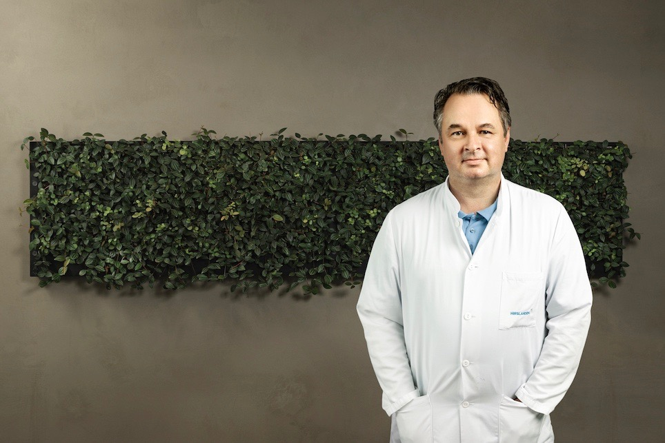 Prof. Dr. med. Peter M. Wenaweser.jpg