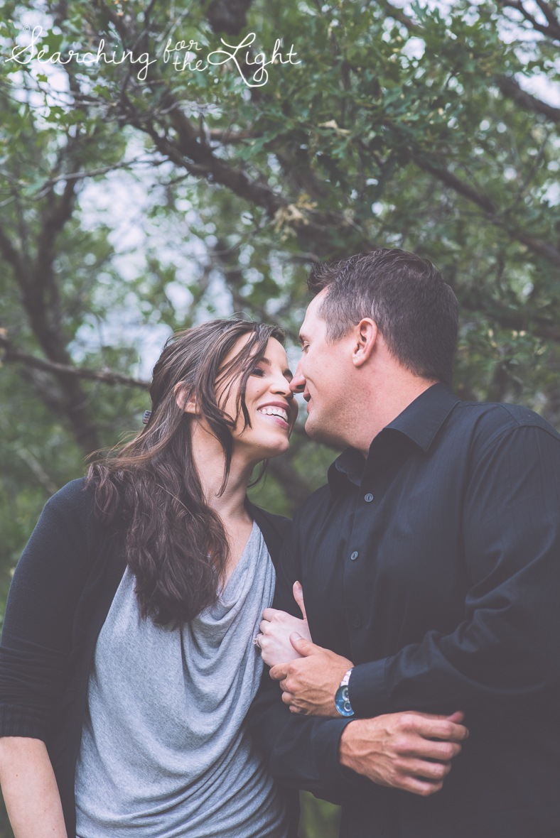 Engagement photos at castle rock canyon by denver wedding photographer searchingforthelight.com