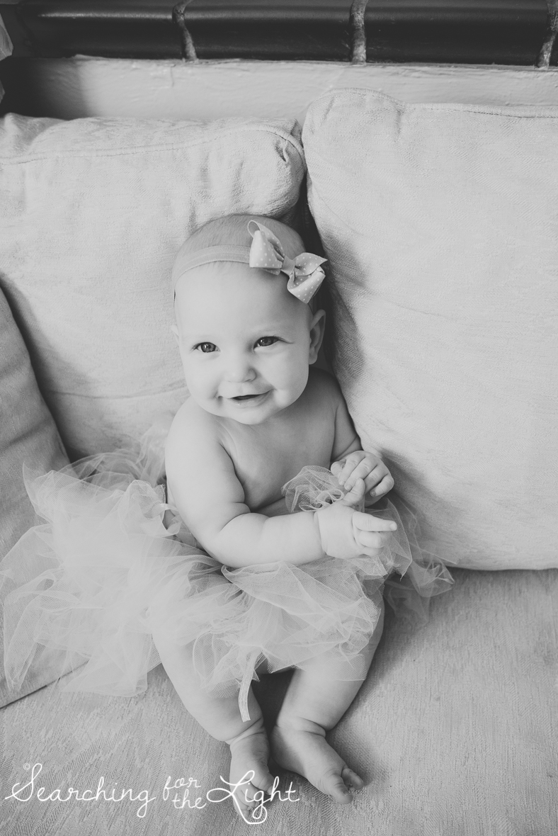 Colorado baby photographer photos of a five month old baby with a diy tutu