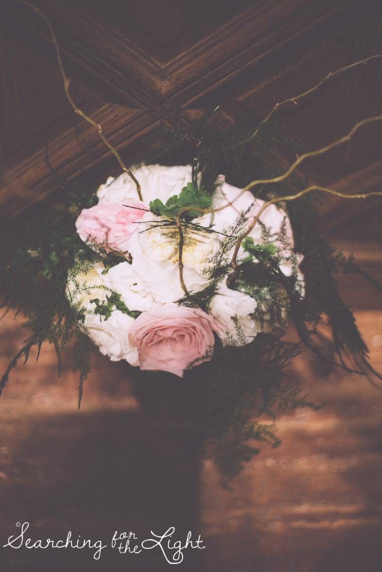 bride bouquet at Holy Ghost Catholic church, colorado wedding photographer photos