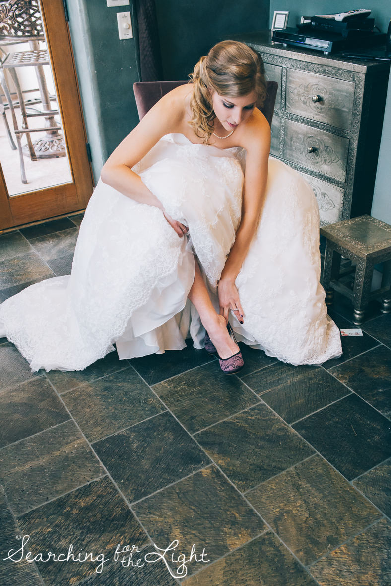 colorado wedding photographer, winter estes park wedding, winter wedding, getting ready photos