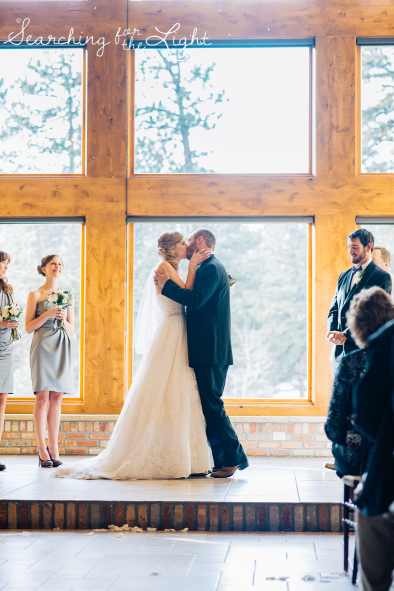 colorado wedding photographer, winter estes park wedding, winter wedding, indoor wedding ceremony photos