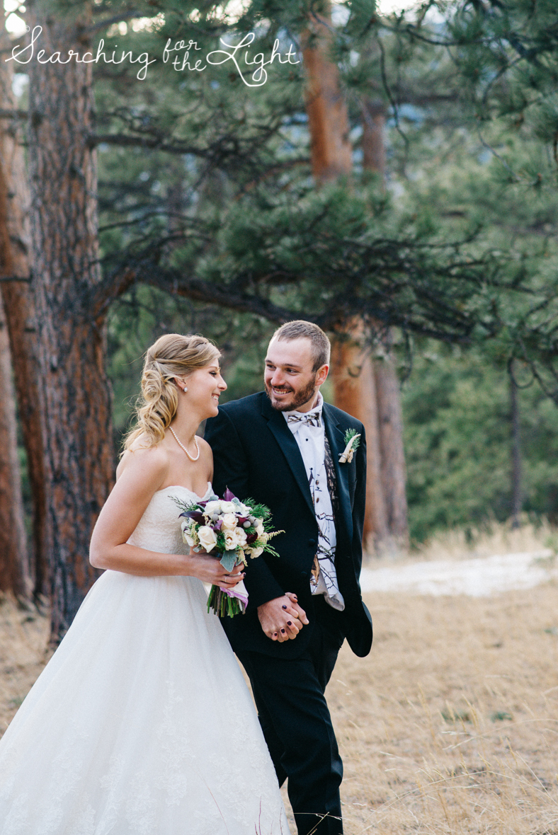 colorado wedding photographer, winter estes park wedding, winter wedding, bride and groom winter photos