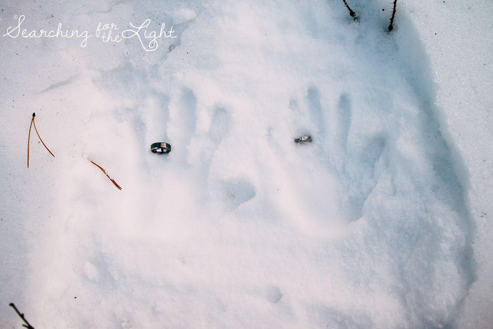 colorado wedding photographer, winter estes park wedding, winter wedding, rings in snow photo