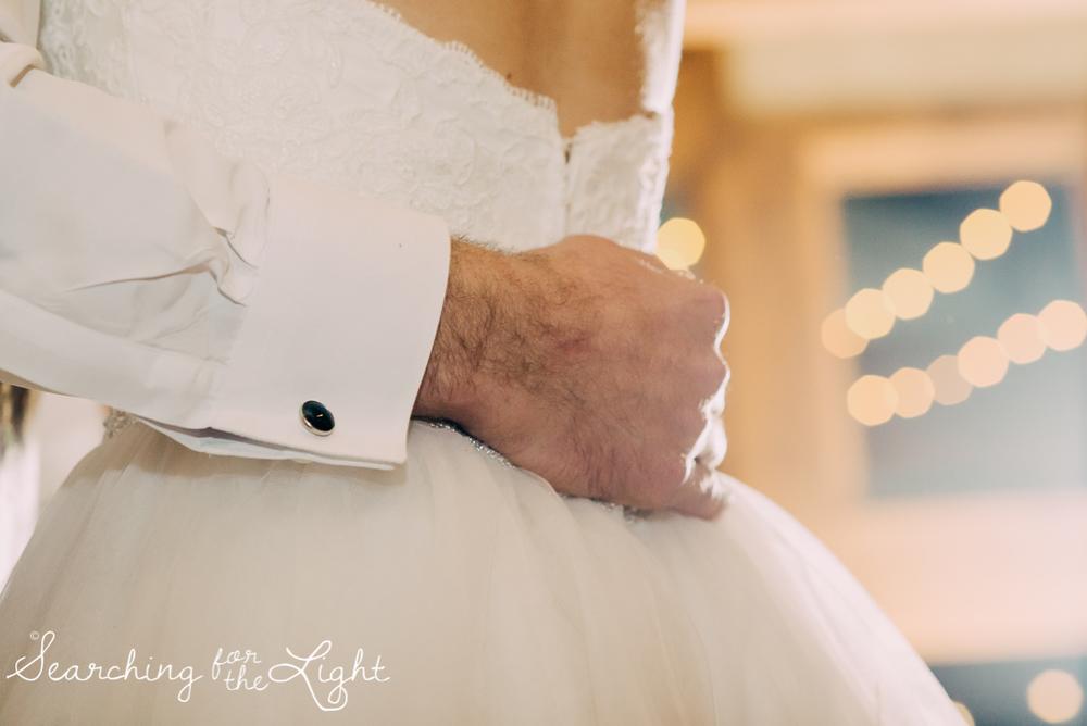 colorado wedding photographer, winter estes park wedding, winter wedding, first dance photos