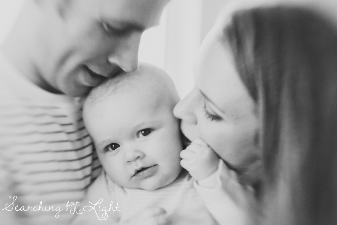 Colorado baby photographer of a family of three, cozy family photos, four month old baby,