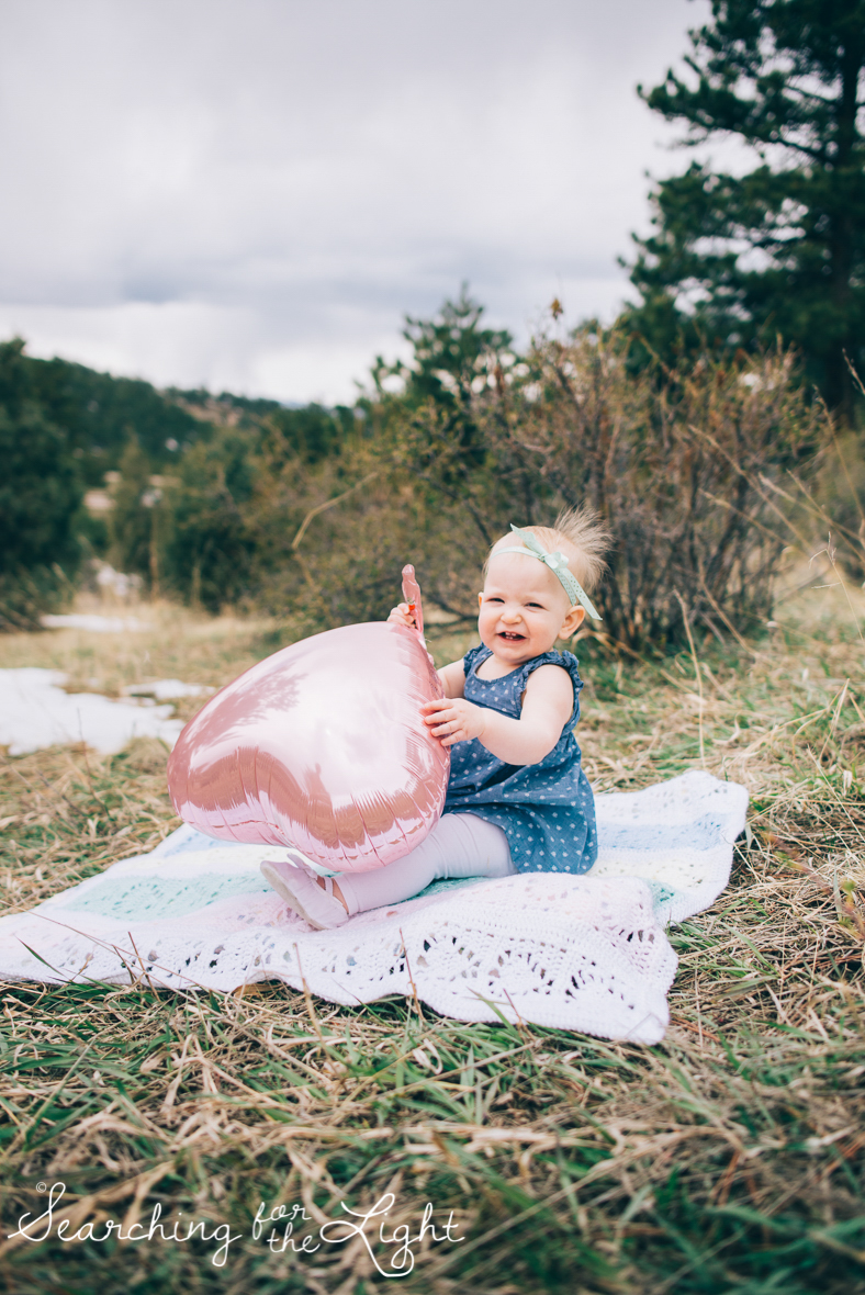 colorado-baby-photographer-olive-mae-12-months_025-2_vintage_film_01.jpg