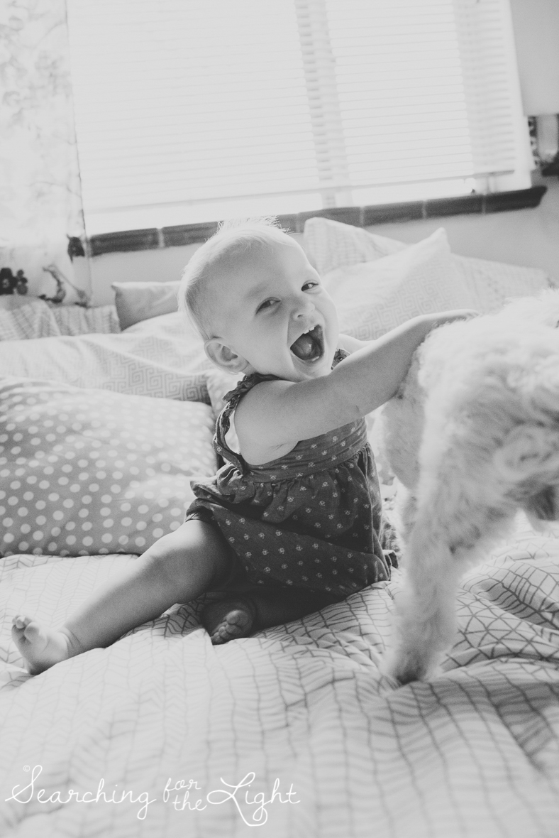 colorado-baby-photographer-olive-mae-12-months_115_bw_20.jpg