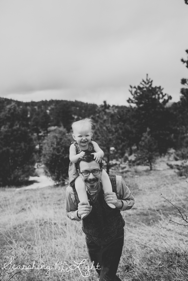 colorado-baby-photographer-olive-mae-12-months_245_bw_06.jpg