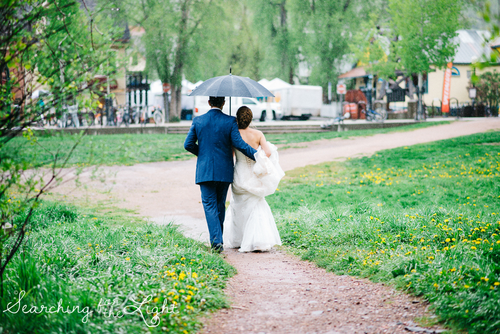 27_telluride_wedding_photographer_colorado_mountain_wedding_photographer_brie&tyler_0809_vintage_film.jpg