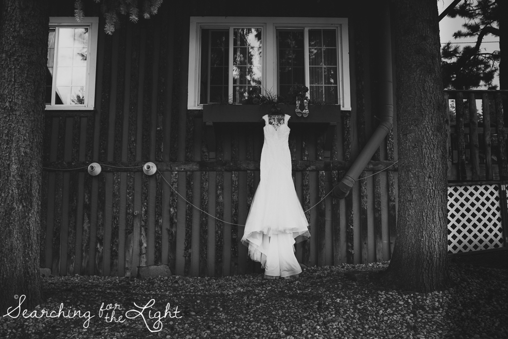 006evergreen_barn_wedding_photos_mountain_wedding_photographer_courtney&kirby_0026_bw006.jpg