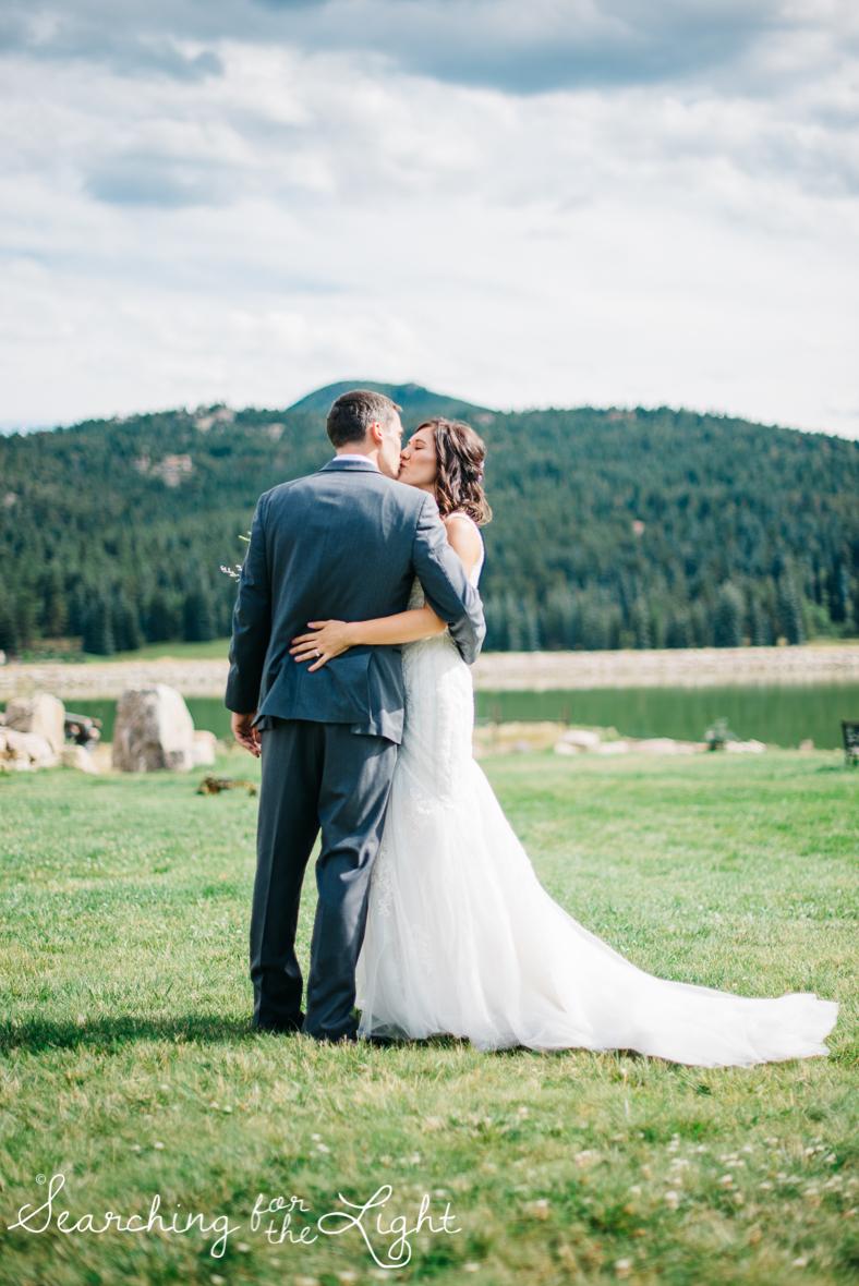 055evergreen_barn_wedding_photos_mountain_wedding_photographer_courtney&kirby_2149055.jpg