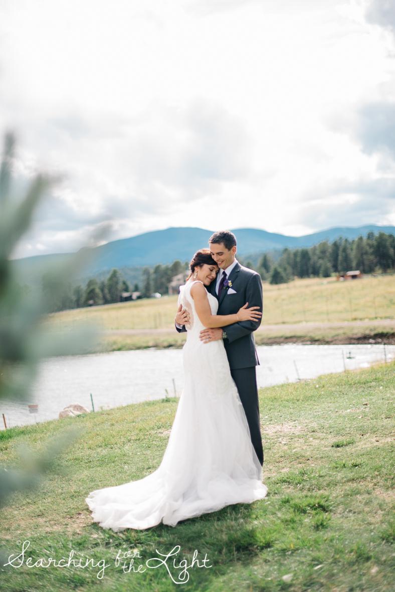 062evergreen_barn_wedding_photos_mountain_wedding_photographer_courtney&kirby_2382-2062.jpg
