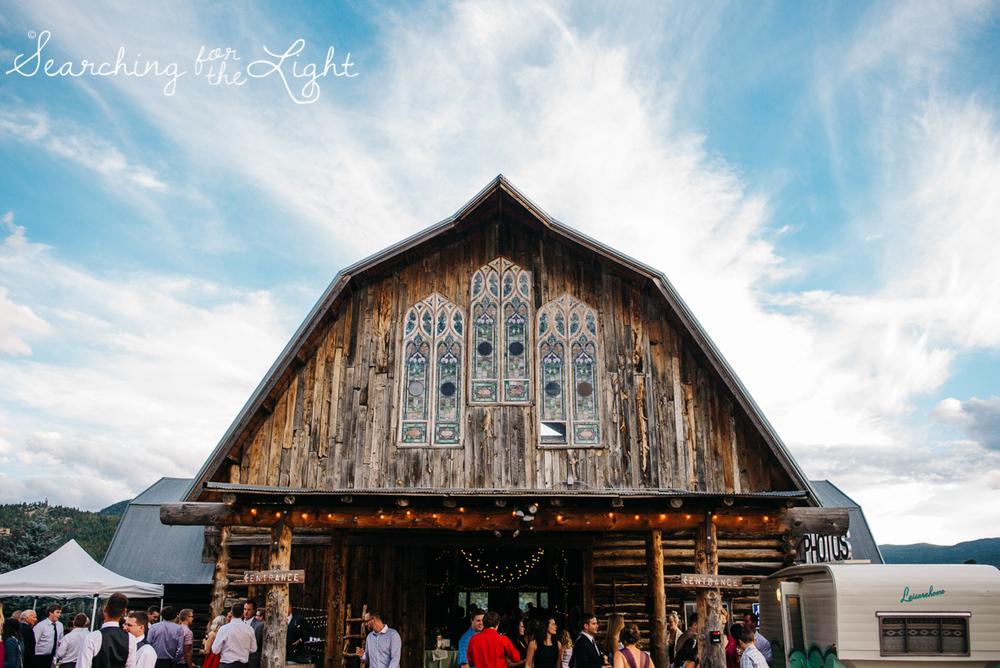 067evergreen_barn_wedding_photos_mountain_wedding_photographer_courtney&kirby_3872067.jpg