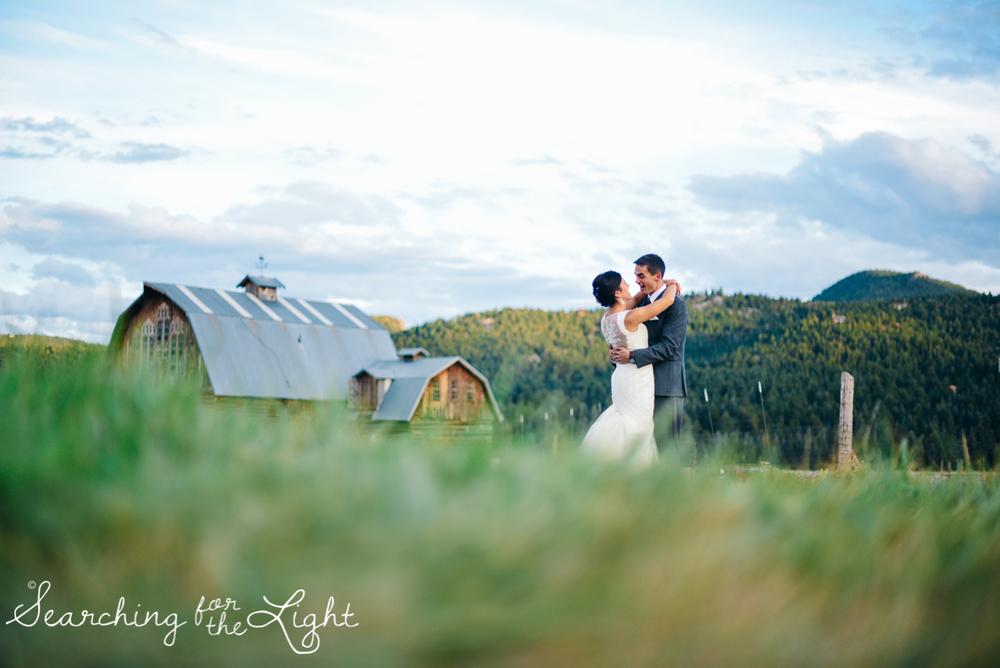 090evergreen_barn_wedding_photos_mountain_wedding_photographer_courtney&kirby_4016090.jpg