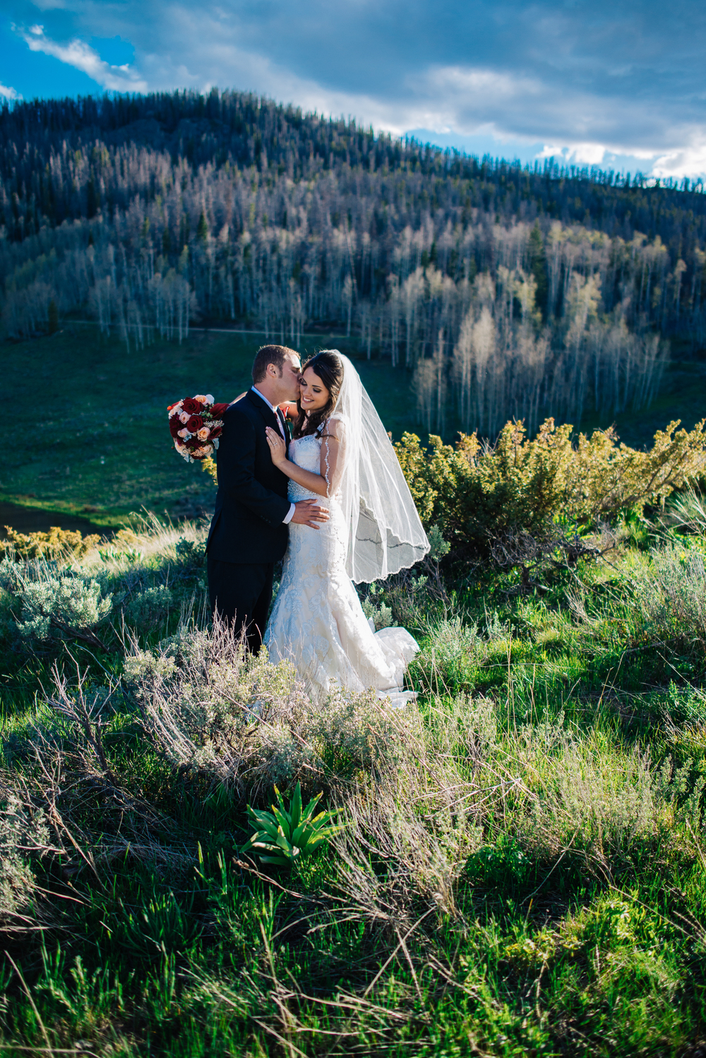 10adventerous-wedding-photographer-100010107colorado-mountain-wedding-photographer-romantic-wedding-pictures_006.jpg