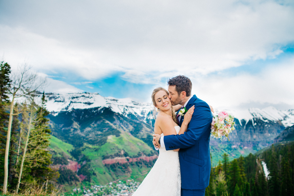 See more from Tyler & Brie's telluride mountain wedding here.