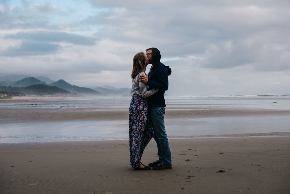 03-emmy-searching-for-the-light-photography-colorado-photographer-elopement-photographer-dance-photographer-couple-photographer_Cannon-Beach_PNW_photographer_portland-possible-trip-2016-2122-2.jpg