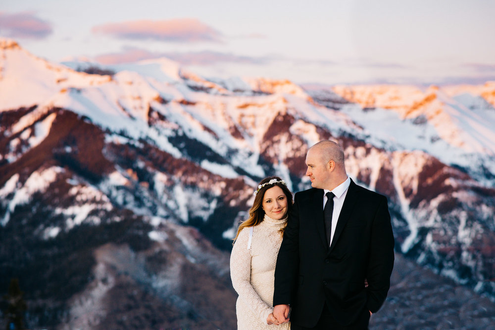 32elopement-photographer-colorado-telluride-winter-wedding-mountain-wedding-photographer-paige&chad-1037-2.jpg