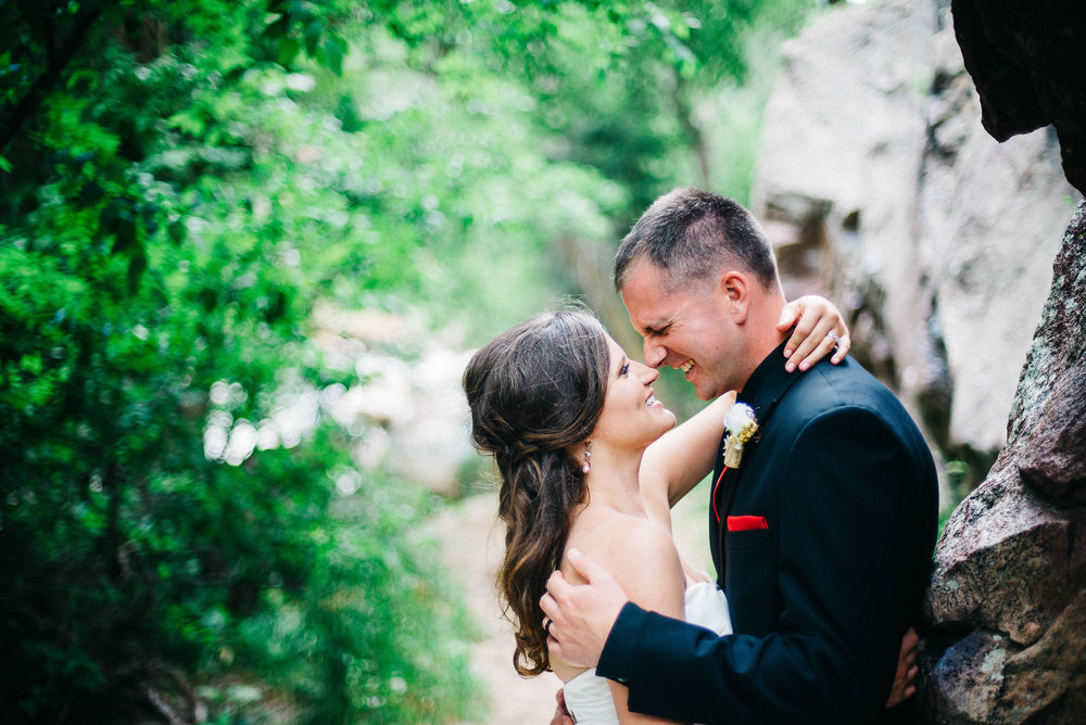 61elopement-photographer-colorado-colorado-mountain-wedding-photographer-romantic-wedding-pictures_009.jpg
