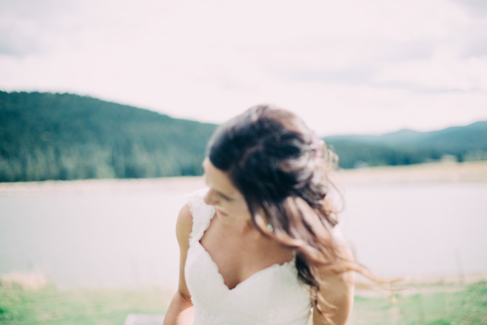 70elopement-photographer-colorado-evergreen_barn_wedding_photos_mountain_wedding_photographer_courtney&kirby_2786.jpg