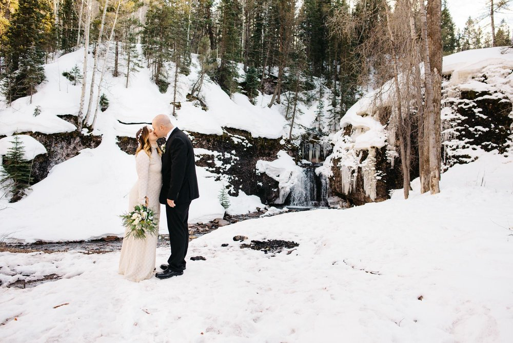 116elopement-photographer-colorado-telluride-winter-wedding-mountain-wedding-photographer-paige&chad-0827-2.jpg