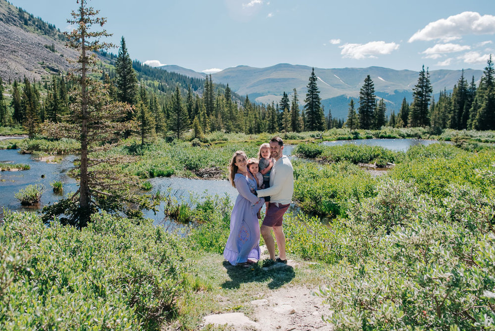 010-Colorado-Mountain-Family-Photographer-Brie-Tyler-Family-June-2018-015.jpg