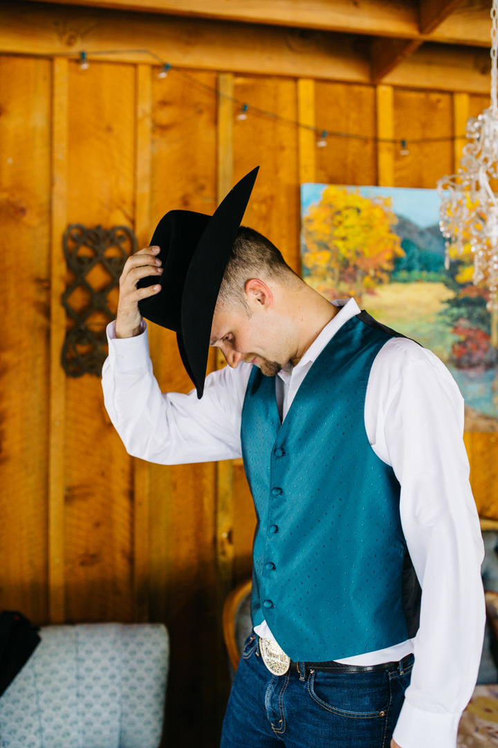Lyons Farmette Wedding Photography by Brittany {Colorado Mountain Wedding Photographer}