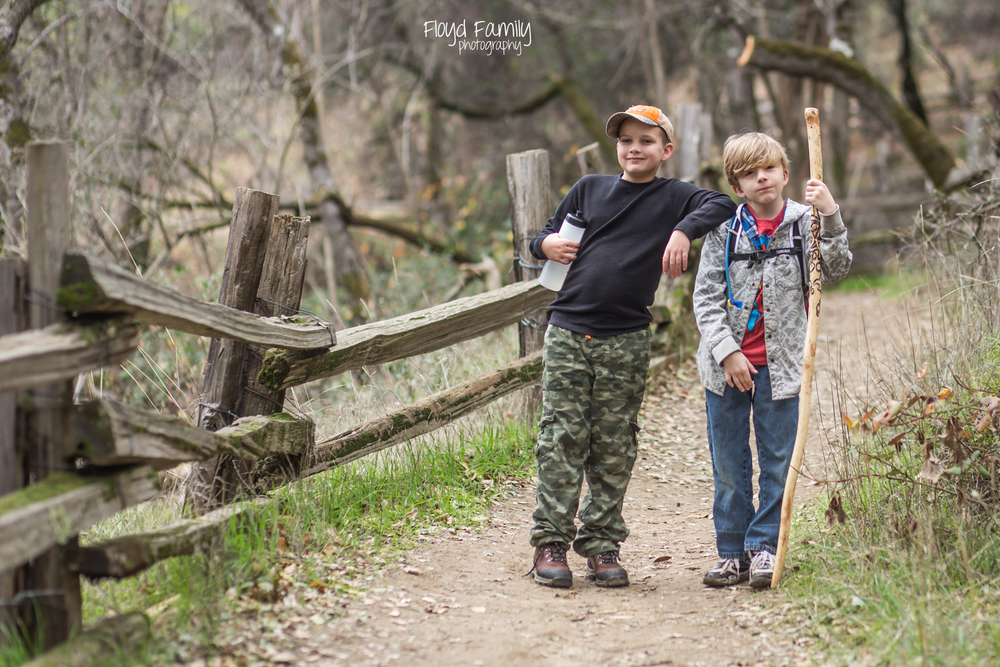 hiking with your kids-placerville-children-photographer