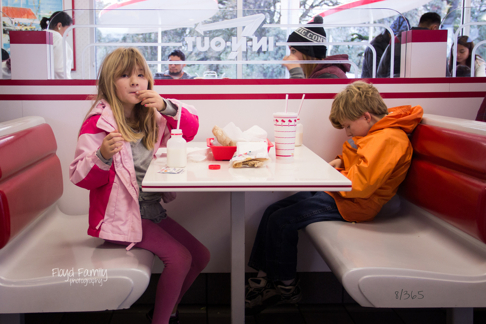 Kids eating at In & Out Burger | Placerville-Children-Photographer
