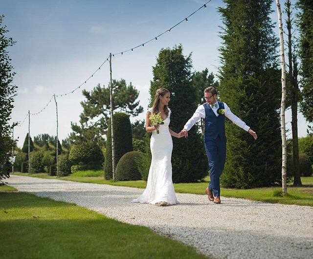 Dank u @thebrideside.be voor de post op jullie fantastische blog.  #liefde @laureannetombeur @julesmeeussen . . . . . . . . . . . . . . . . . . @anlattecollectie @suitsupply  #iktrouwbelgisch #theperfectday #huwelijk #huwelijksfotograaf #trouwfotograaf #bruidsfotograaf #wedding #weddingphotography #weddingphotographer #justmarried #capturethemoment #momentslikethese #lovetheworld #love #man #woman #instawedding #eventphotography #nikonbelgium #nikon #nikond850 #weddinginspiration #weddingideas #tiedtheknot #mywed #whiteoutphotography #thebridesite
