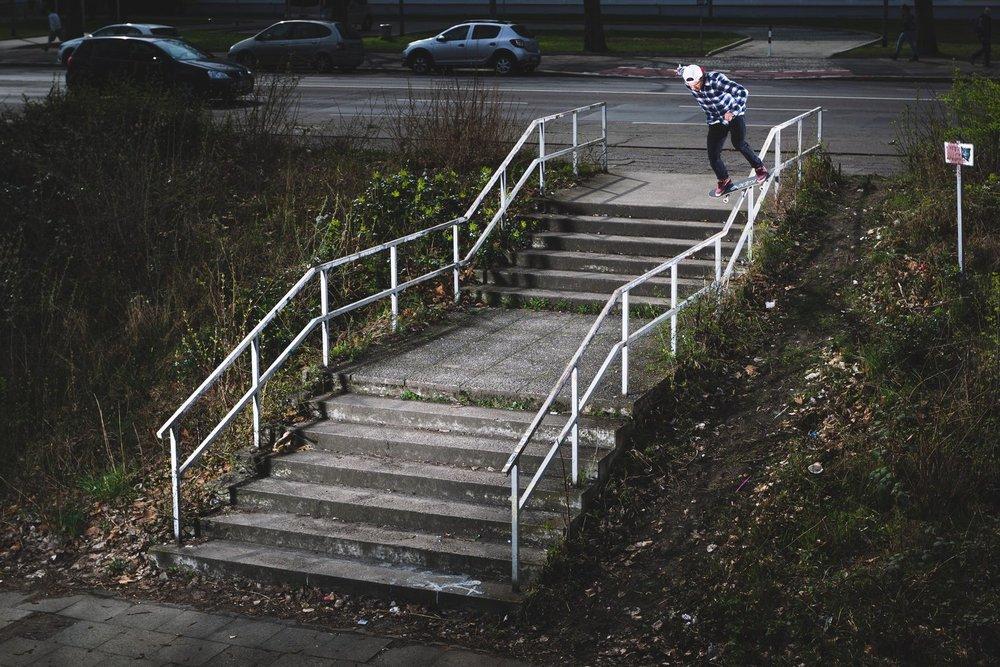 simon-stricker-boardslide-berlin-hannes-mautner.jpg