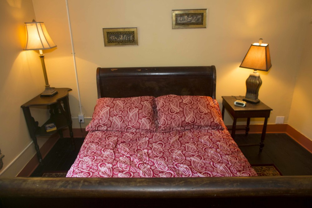 The Victorian Room - Full Bed