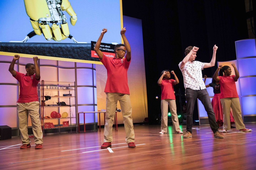 Live Shows & Assemblies - Whether science festivals or school assemblies, Tom's live shows provide an adrenaline boost to your STEAM curriculum.