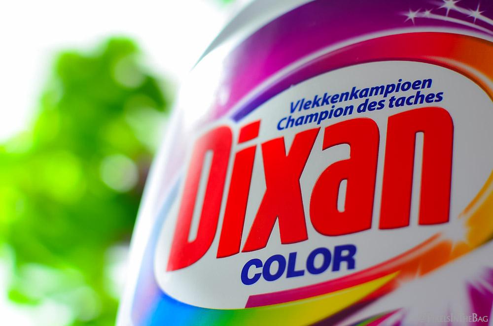Zoom sur la bouteille de Dixan Color.