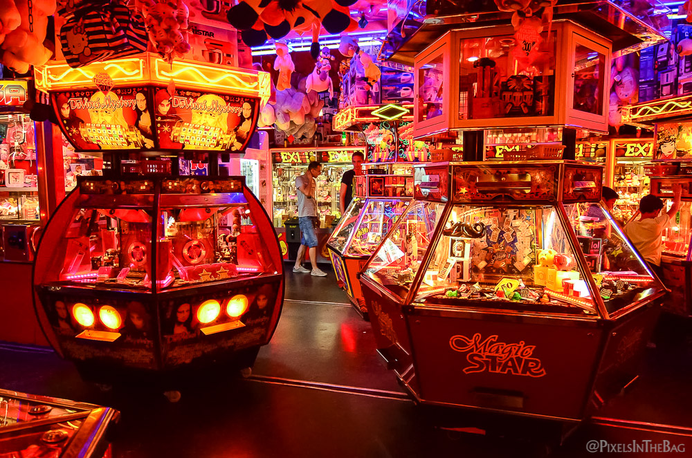Carnival games at the Foire du Midi.