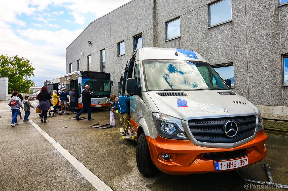 Taxibus de la STIB de la marque Mercedes.