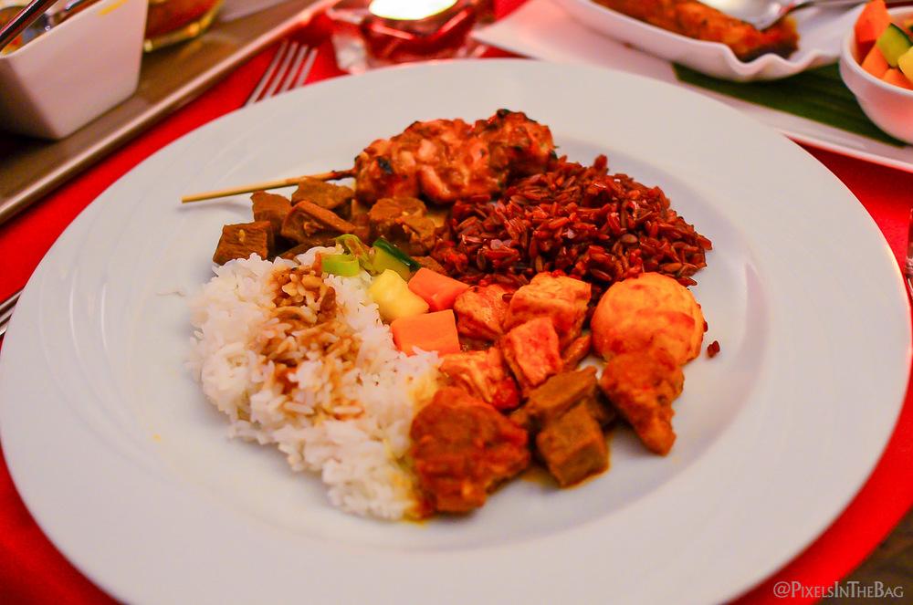 Plat principal chez Garuda - le riz, omniprésent en Asie.