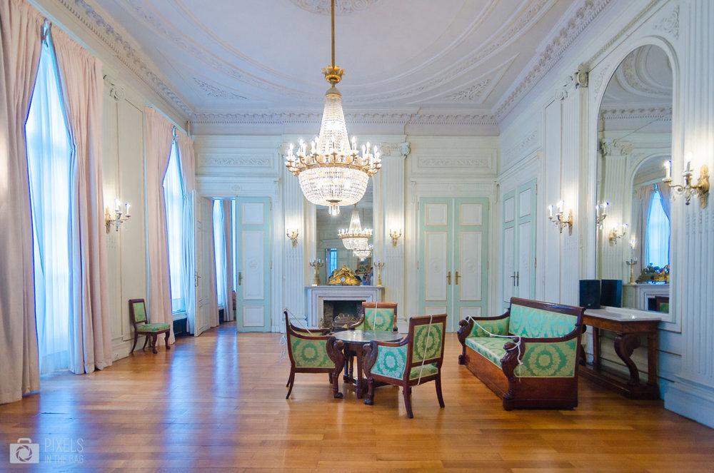 Salon des ambassadeurs et ses vertigineux volumes.