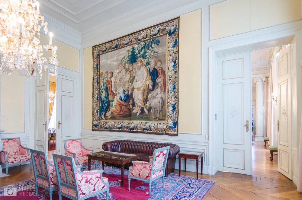 Le salon des hommes (fumoir) et son ancienne tapisserie bruxelloise «La remise des clefs à Saint Pierre » (1655-1680).